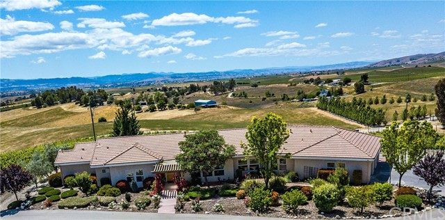 Property for sale at 6172 Hawk Ridge Place, San Miguel,  California 93451