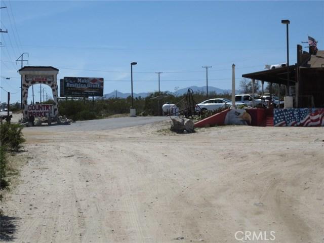 51530 Twentynine Palms, Morongo Valley CA: http://media.crmls.org/medias/38880ac5-86ef-4c08-8803-b85d52acaf2b.jpg