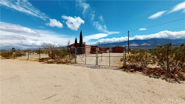 36163 Palm Road Lucerne Valley CA 92356