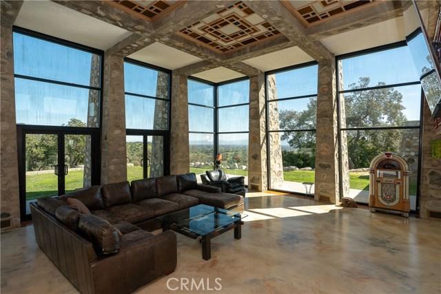 5000 Live Oak Canyon Road, La Verne CA: http://media.crmls.org/medias/38937fce-19a4-4dbf-865e-54a66d93ccef.jpg