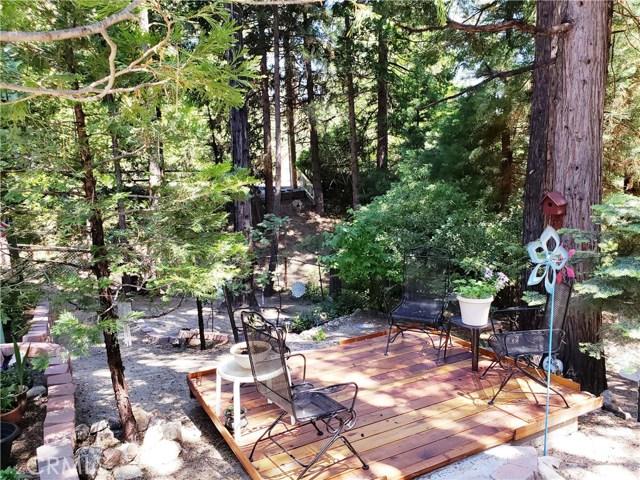 615 Pioneer Road, Lake Arrowhead CA: http://media.crmls.org/medias/389456b6-70b5-4ad1-bba2-5b8fc66f98bb.jpg