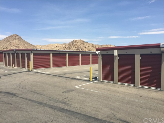 Single Family Home for Sale at 31420 Hwy 18 Lucerne Valley, 92356 United States