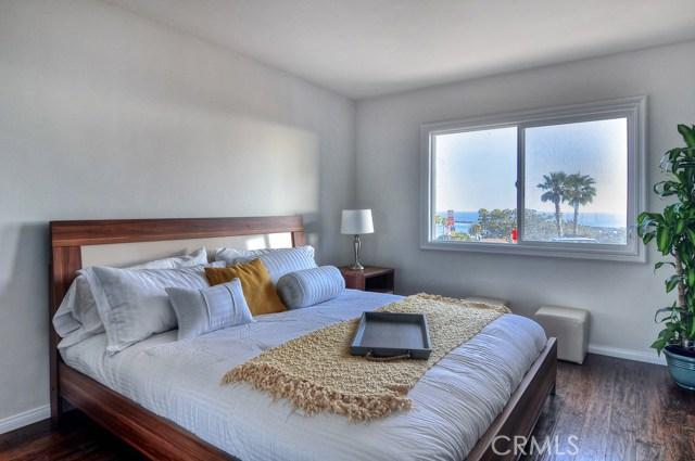 2828 Ocean Boulevard, Corona del Mar CA: http://media.crmls.org/medias/3898809a-7138-469d-b374-fe30ca4ab536.jpg