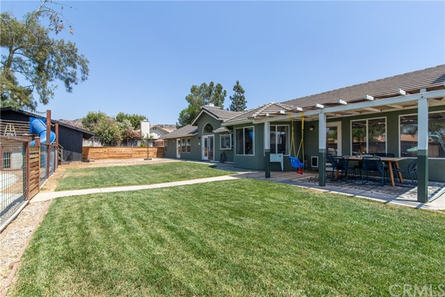 29198 Slumpstone Street, Nuevo/Lakeview CA: http://media.crmls.org/medias/389cb757-b86e-4d49-bd6f-584ece52df26.jpg