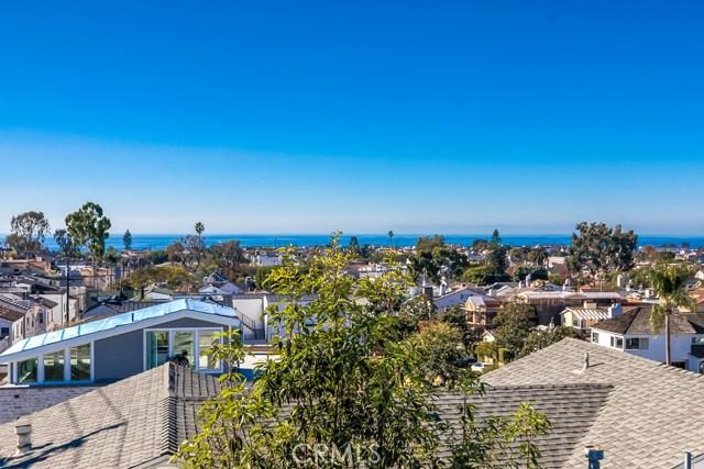 Photo of 716 Poinsettia Avenue #1/2, Corona del Mar, CA 92625
