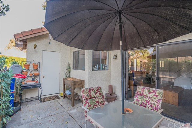 875 Endicott Drive, Claremont CA: http://media.crmls.org/medias/389e8faf-d222-4642-95dc-a98b9cf13346.jpg