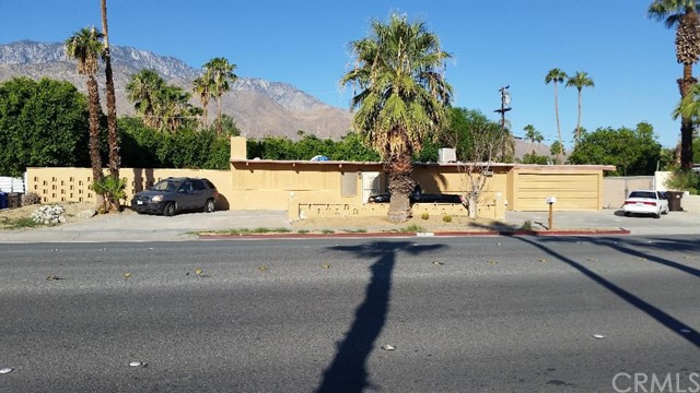 Single Family Home for Sale at 523 N Farrell Drive 523 N Farrell Drive Palm Springs, California 92262 United States