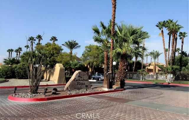 Casa Unifamiliar por un Venta en 32200 Cathedral Canyon Drive Cathedral City, California 92234 Estados Unidos