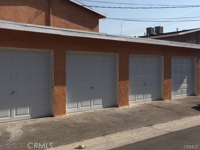 16483 Lariat Road, Victorville CA: http://media.crmls.org/medias/38b14a36-0d2a-4b87-8aa1-79a5b3206f93.jpg