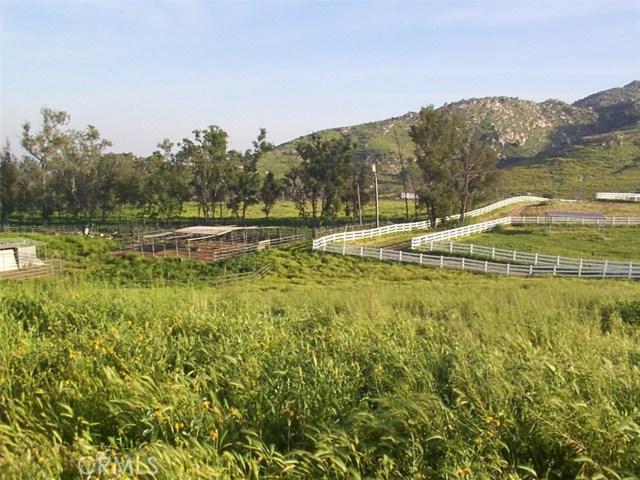 9229 Box Springs Mountain Road, Moreno Valley CA: http://media.crmls.org/medias/38b5fe3e-fb6e-45fa-a042-edb7e5d2fb11.jpg