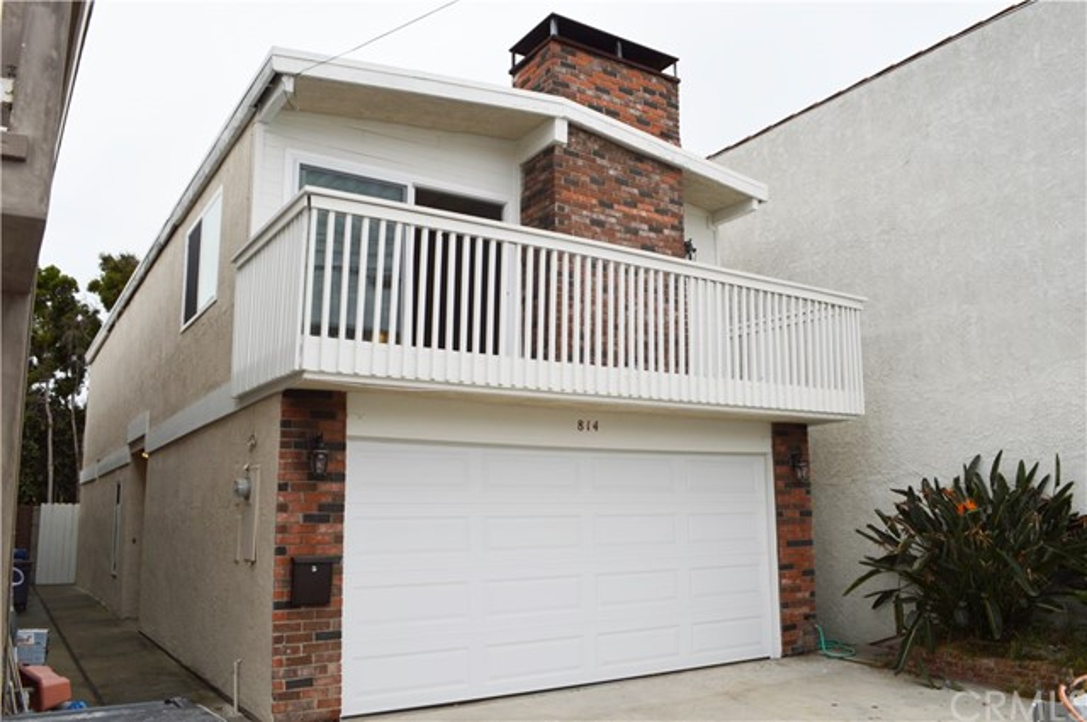 814 3rd St, Hermosa Beach, CA 90254