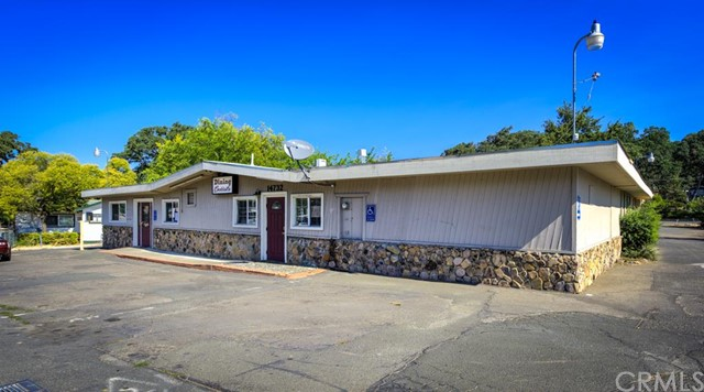 Retail for Sale at 14732 Lakeshore Drive Clearlake, California 95422 United States