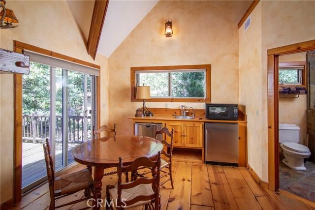 27978 W Shore Road, Lake Arrowhead CA: http://media.crmls.org/medias/38d2ddc8-2a73-421d-821b-55a638bc8d66.jpg