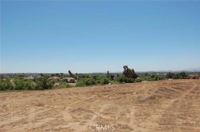 0 Pear Street, Riverside CA: http://media.crmls.org/medias/38e4994e-42ab-4bbf-b403-35f998086b95.jpg