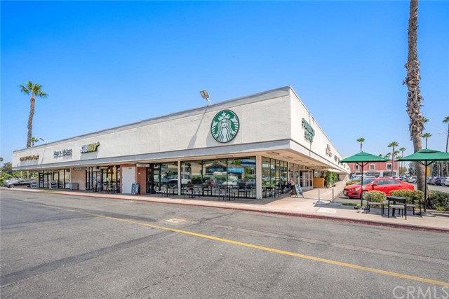 5917 E Wentworth Street, Long Beach CA: http://media.crmls.org/medias/38e72f51-cc3f-4fae-a412-c2724e523f90.jpg