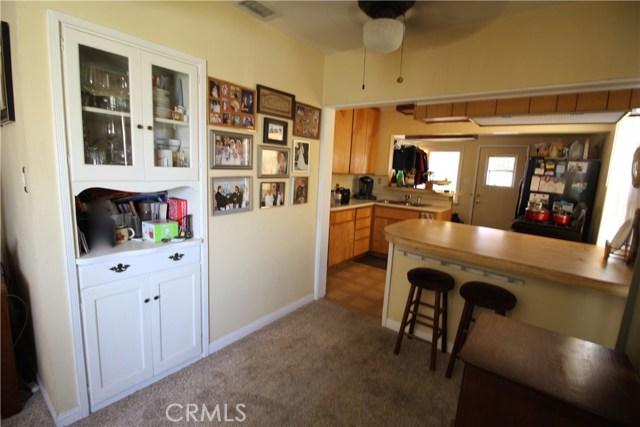 798 Bunker Hill Drive, San Bernardino CA: http://media.crmls.org/medias/38f0f864-7d90-4a6b-9aeb-2dba79b5a508.jpg