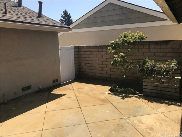 2 Locust , CA 92604 is listed for sale as MLS Listing OC18136465