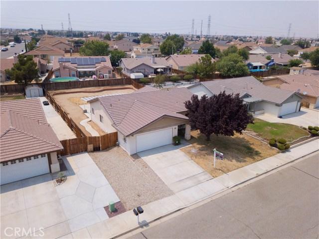 13002 Spelman Drive, Victorville CA: http://media.crmls.org/medias/390811f2-bd83-4f8b-9ed8-51f01a1583c0.jpg