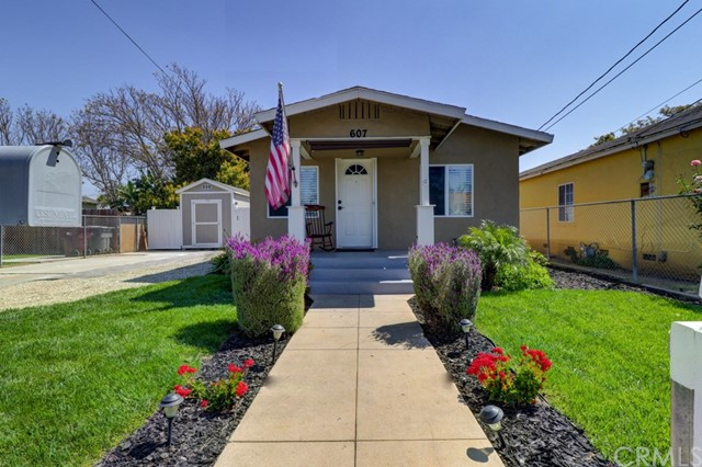 Single Family Home for Sale at 607 Daisy Avenue N Santa Ana, California 92703 United States