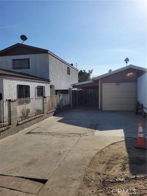 808 E 111th Drive, Los Angeles CA: http://media.crmls.org/medias/39111bd7-b501-445d-b473-42d47a345b5e.jpg