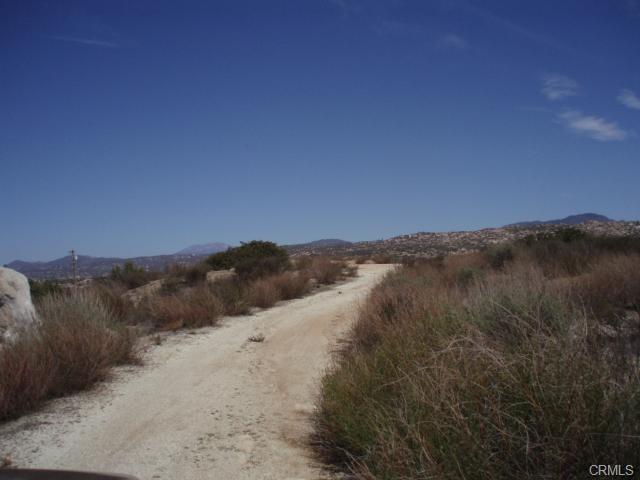 41120 Jojoba Hills Circle, Aguanga CA: http://media.crmls.org/medias/391c783a-e298-45bb-9c63-d9c681149e50.jpg