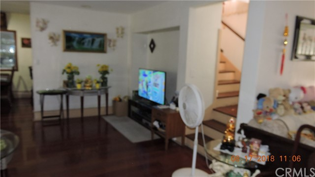 124 S Hoover St, Los Angeles, CA 90004 Photo 7