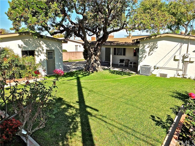 5960 E Los Arcos St, Long Beach, CA 90815 Photo 5