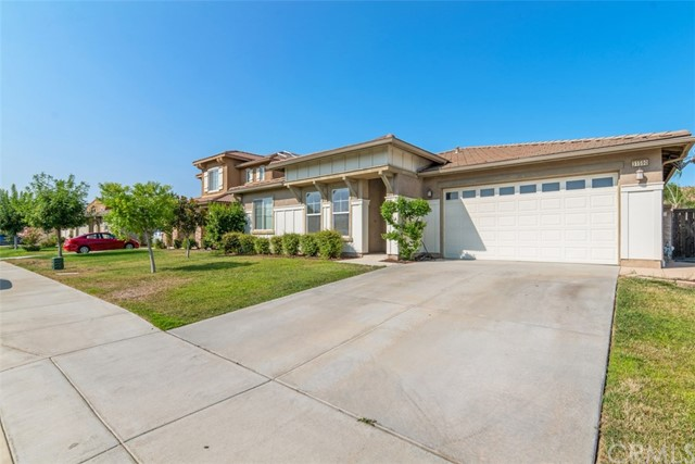 31590 Waterfall Way, Murrieta CA: http://media.crmls.org/medias/3937c6e1-2e2b-43f3-bdd2-f666a7e00a44.jpg