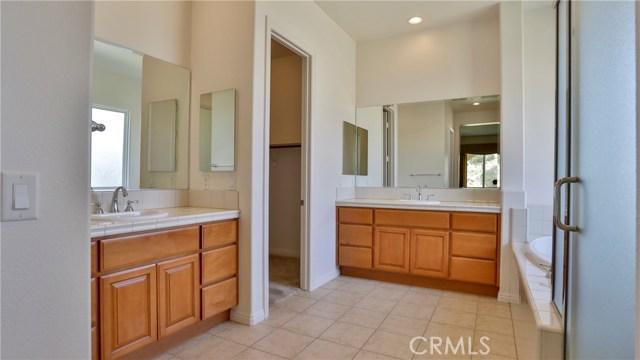 10911 Plum View Lane, Yucaipa CA: http://media.crmls.org/medias/393a43d2-9403-4b76-a102-a7106d1ae083.jpg