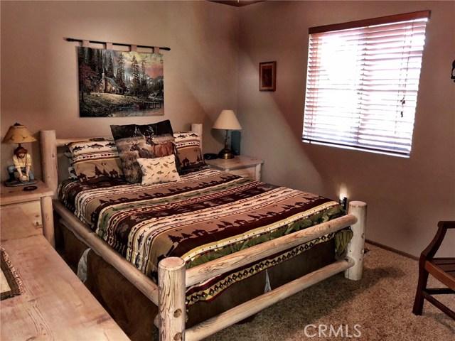 1256 Grass Valley Road Lake Arrowhead, CA 92352 - MLS #: EV18105309