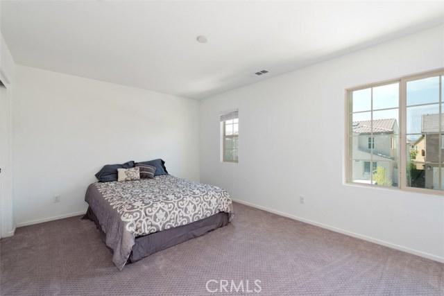 24157 Lavender Drive, Lake Elsinore CA: http://media.crmls.org/medias/395045b2-e28e-4286-a6ca-1882c02307d9.jpg