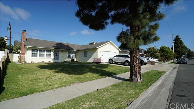 15331 Yorkshire Lane, Huntington Beach, CA 92647