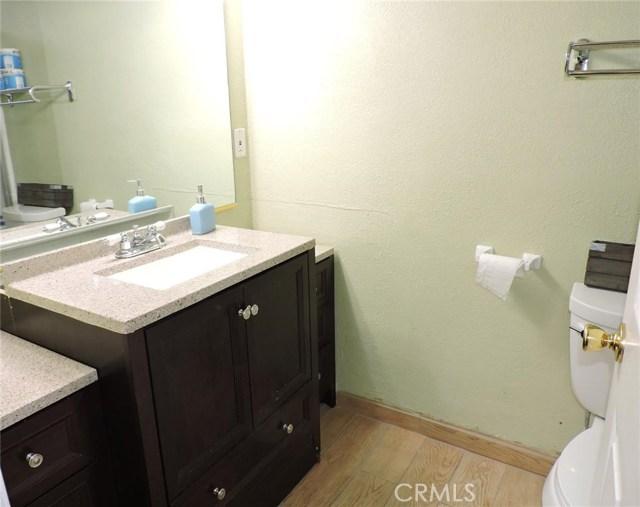 16530 Kayuga Street, Victorville CA: http://media.crmls.org/medias/3961a8b8-34df-4dfe-8082-5d3eec6022bf.jpg