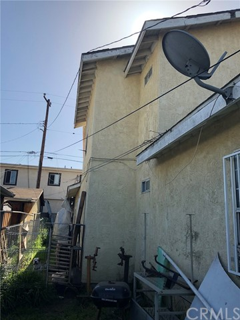 2326 Granada Avenue, South El Monte CA: http://media.crmls.org/medias/3968fde0-0b36-42a0-95d3-da6247b0ad31.jpg