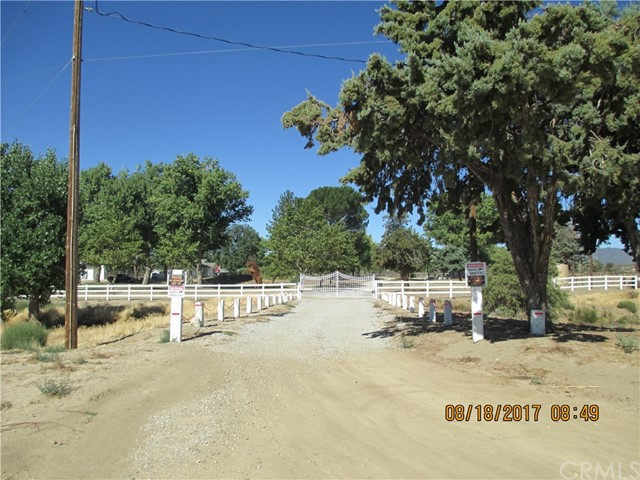 Частный односемейный дом для того Продажа на 39373 Bahrman Road 39373 Bahrman Road Anza, Калифорния 92539 Соединенные Штаты