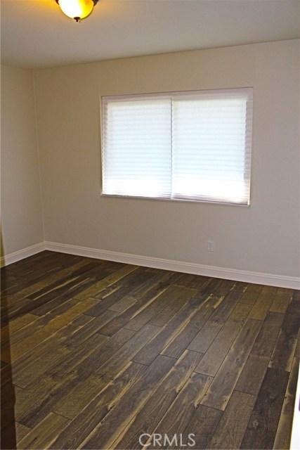 369 E Old Mill Road, Corona CA: http://media.crmls.org/medias/3982dd82-9dd9-4549-975a-c497a99255e4.jpg