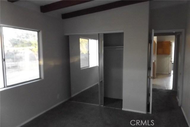 10766 San Jacinto Street, Morongo Valley CA: http://media.crmls.org/medias/3991baaa-24e5-4d7e-8a10-04f006a7ad12.jpg