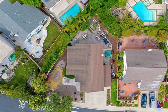 22112 Comanche Road, Lake Forest CA: http://media.crmls.org/medias/39945506-c3fc-4546-9ef4-ed4335cf759d.jpg
