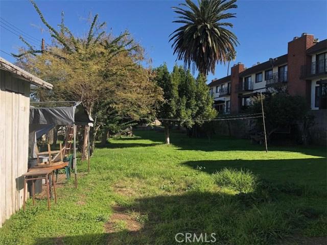 410 S Alhambra Avenue, Monterey Park CA: http://media.crmls.org/medias/39947abe-206a-475a-9d19-cc44a681d848.jpg