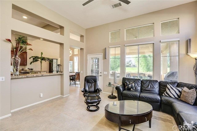 29593 Sandy Court, Cathedral City CA: http://media.crmls.org/medias/3995e0b0-3137-4cea-902a-43a2d6e53167.jpg