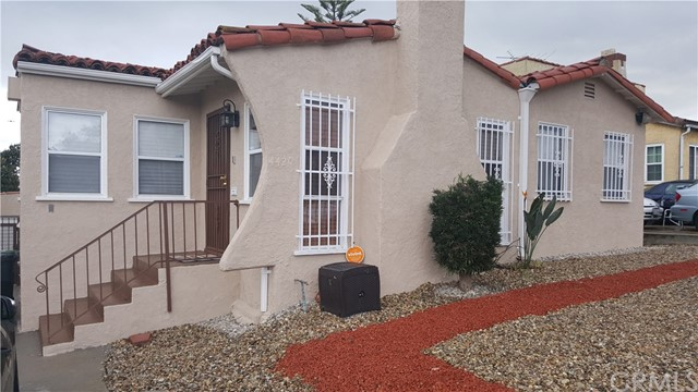 Single Family Home for Sale at 4420 59th Street W Los Angeles, California 90043 United States