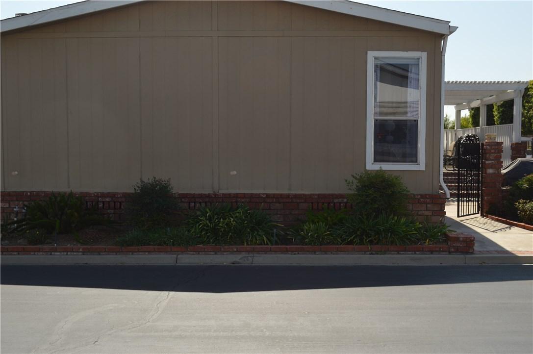 1256 Harbor Lake Avenue, Brea CA: http://media.crmls.org/medias/39ab1f23-5f86-4203-a3d3-6f405365bfc0.jpg