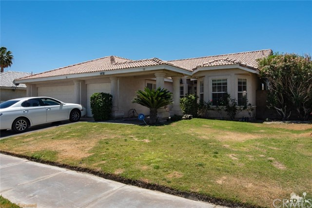 69877 Northhampton Avenue, Cathedral City CA: http://media.crmls.org/medias/39ae7b2a-ac38-4f97-a81c-5fc557ef42e6.jpg