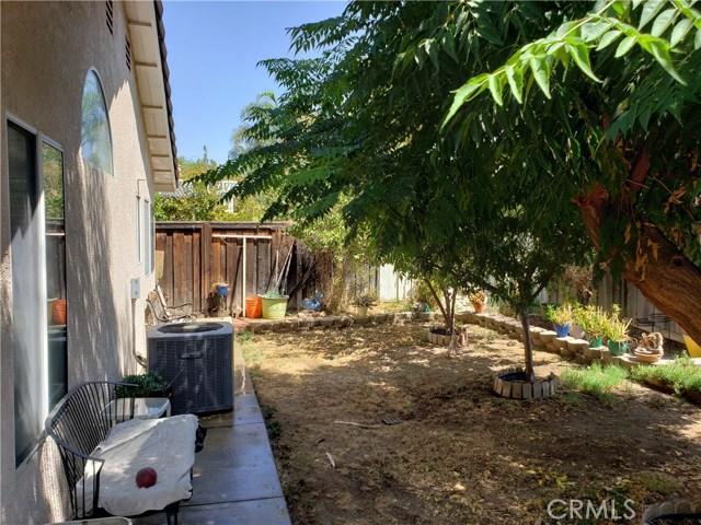 2125 Alfalfadale Road, Perris CA: http://media.crmls.org/medias/39b866a6-0508-4ad7-b33d-9b3af2c0a7f7.jpg