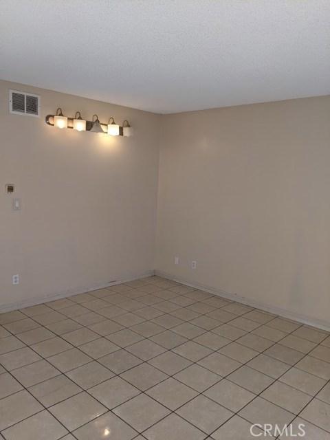 615 S Euclid Street, Santa Ana CA: http://media.crmls.org/medias/39cbac26-12f1-4496-ba4c-364165d9cee3.jpg