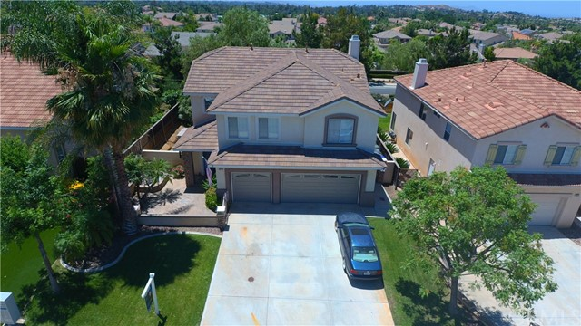 8371 Attica Drive, Riverside CA: http://media.crmls.org/medias/39d258b7-1533-4211-837a-42247fdb0c1d.jpg