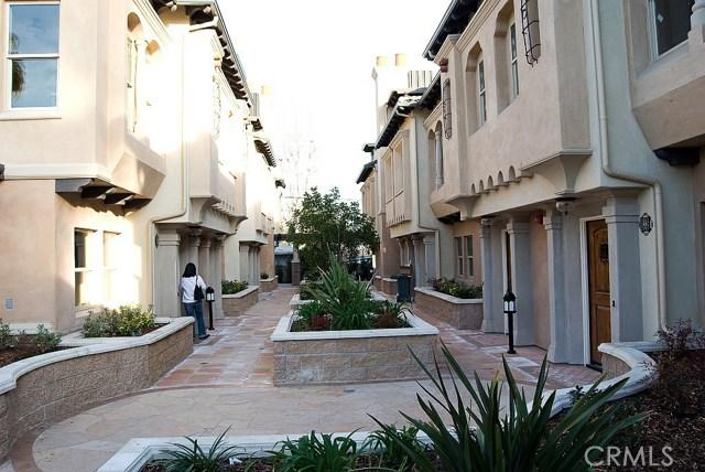 56 S Craig Avenue, Pasadena CA: http://media.crmls.org/medias/39da6fb2-fdbd-459a-8a98-3ddbba996451.jpg