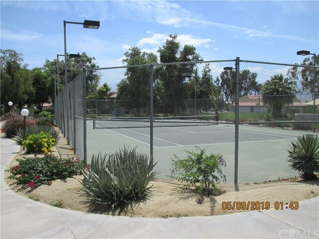 412 Tava Lane, Palm Desert CA: http://media.crmls.org/medias/39ee6e0c-8f1c-41d4-8a40-9ce838e90fff.jpg