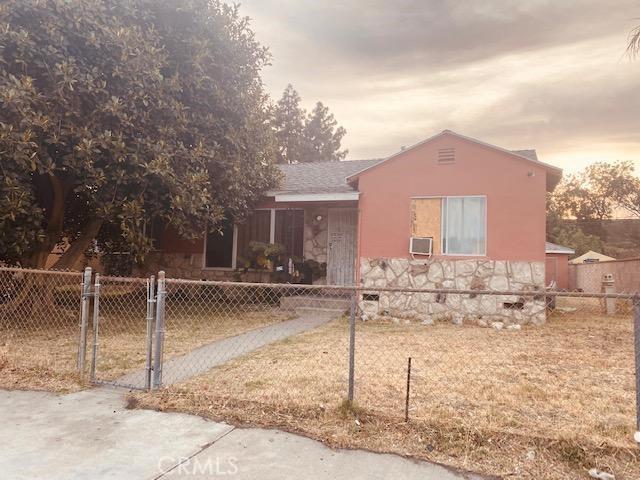 8529 Pioneer Boulevard, Whittier CA: http://media.crmls.org/medias/39f1ea56-7913-4da6-b242-a619caaa7972.jpg