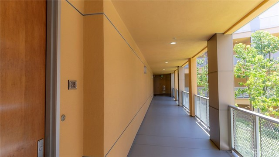 21 Gramercy, Irvine CA: http://media.crmls.org/medias/39f9a644-0309-4929-8643-c69d252dcc53.jpg